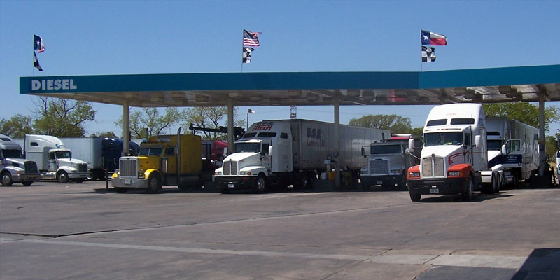 5 Tips for Reducing Fuel Costs with Fleet Management Software